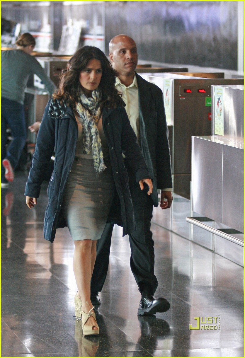 salma hayek boston logan airport 012534643