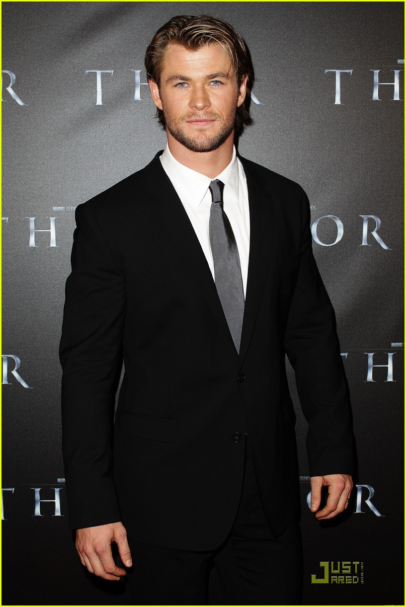 chris hemsworth thor premiere with jaimie alexander 01