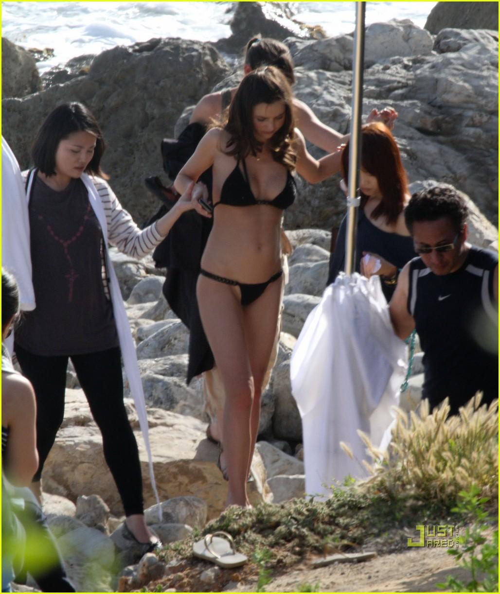 miranda kerr post baby bikini body 022536357