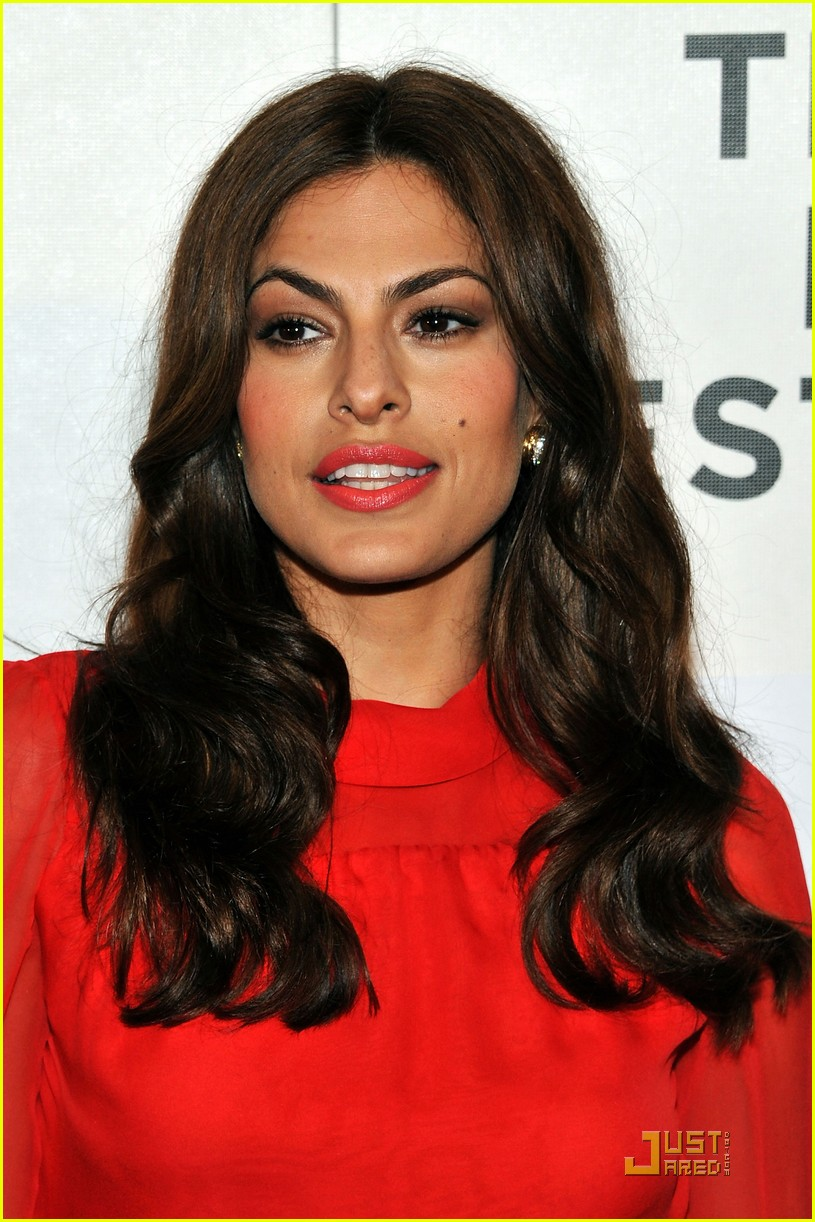 eva mendes last night premiere 02