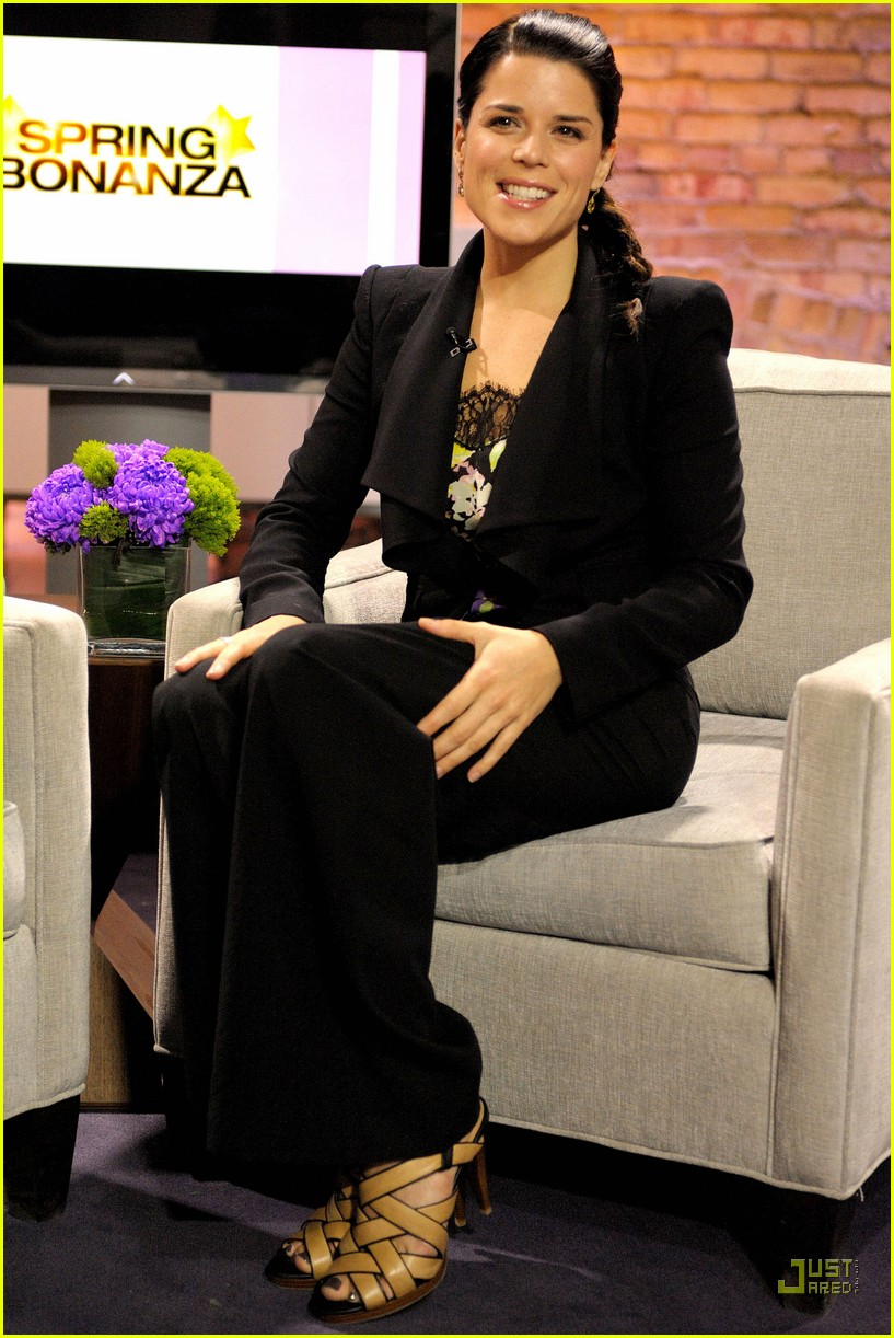 neve campbell marilyn denis show 02