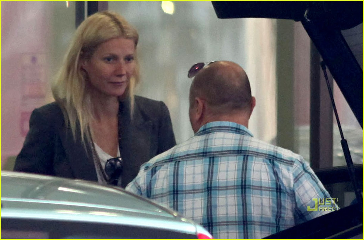 gwyneth paltrow hospital visit 03