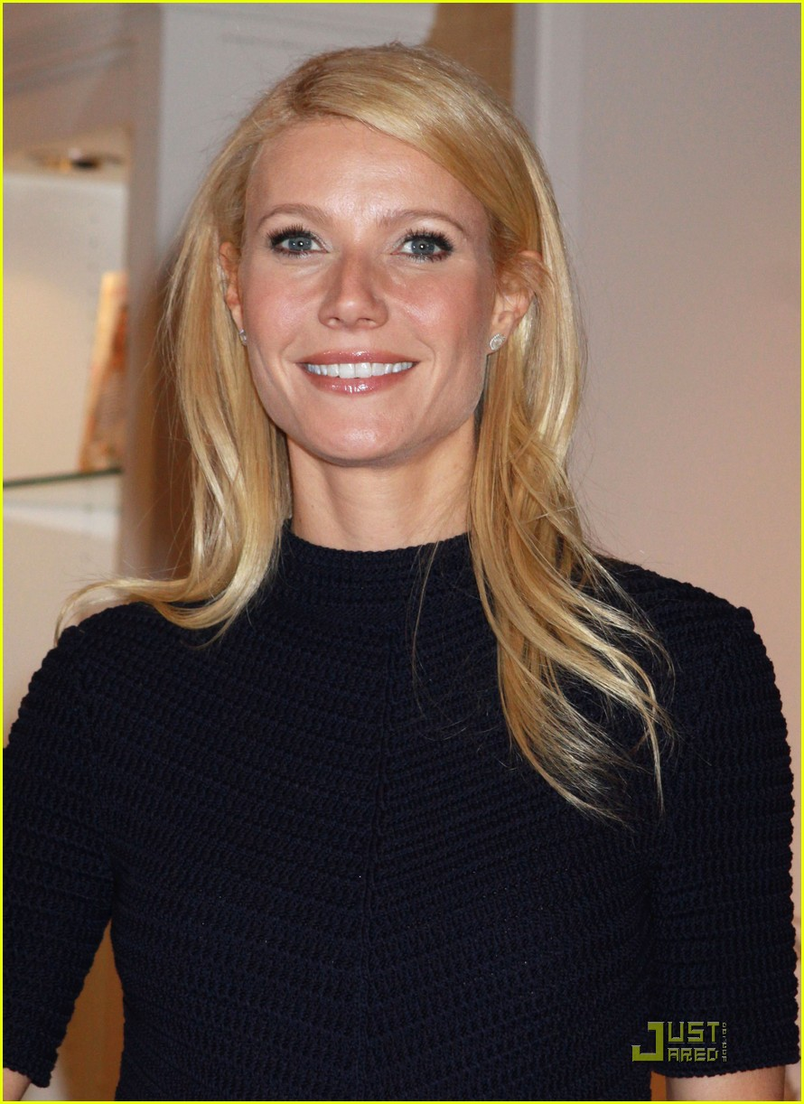 gwyneth paltrow williams sonoma signing 03