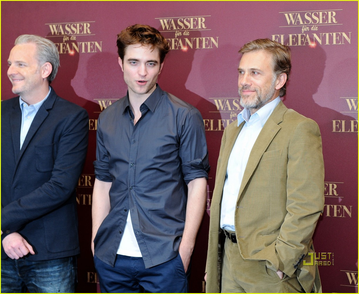 robert pattinson christoph waltz water for elephants photo call berlin 03