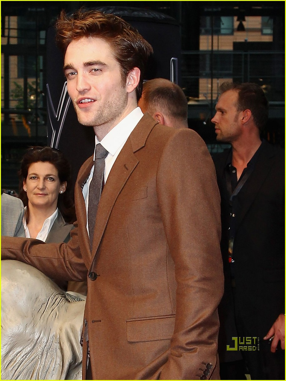 robert pattinson water for elephants premiere berlin 07