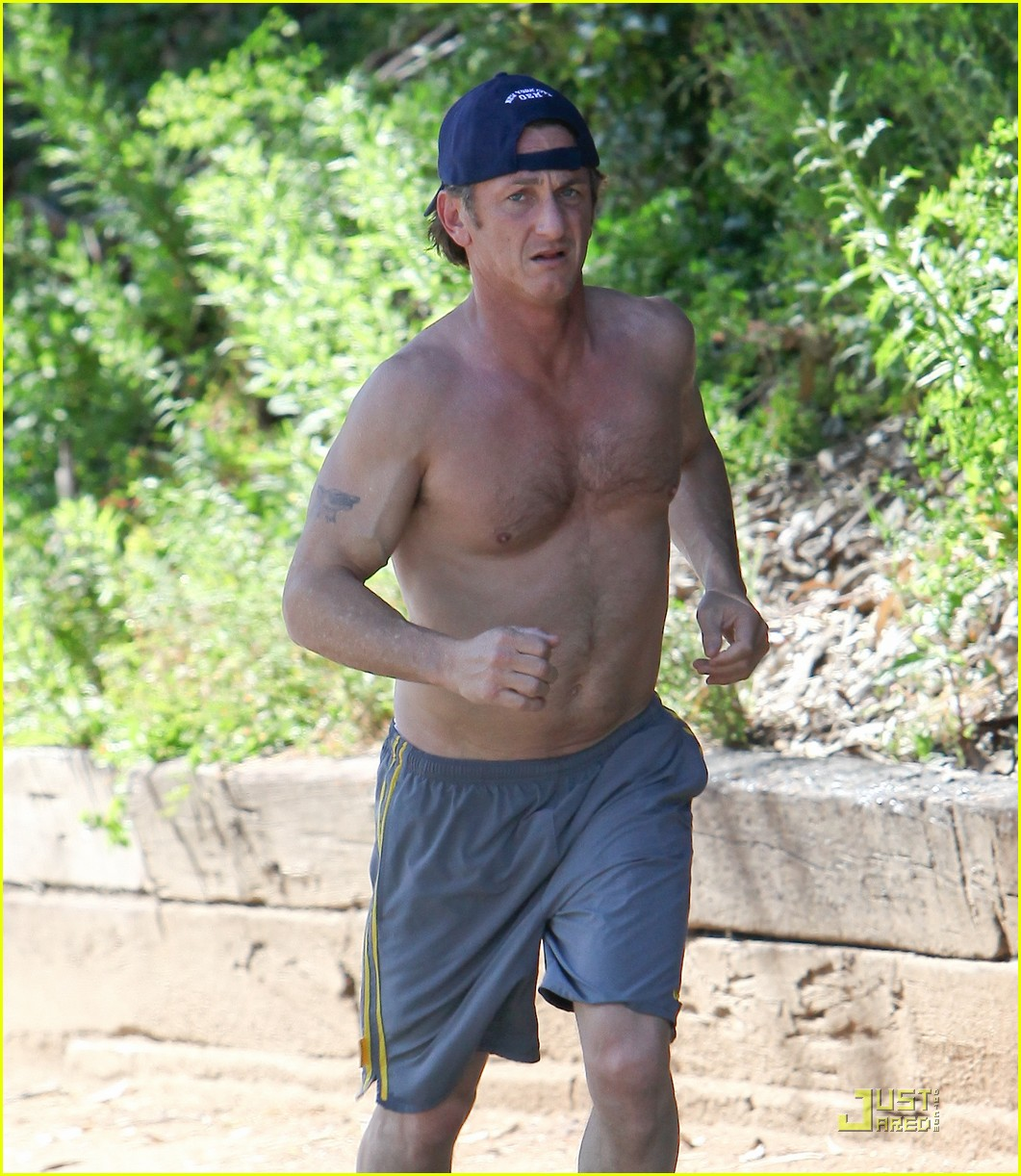 sean penn shirtless jogging 02