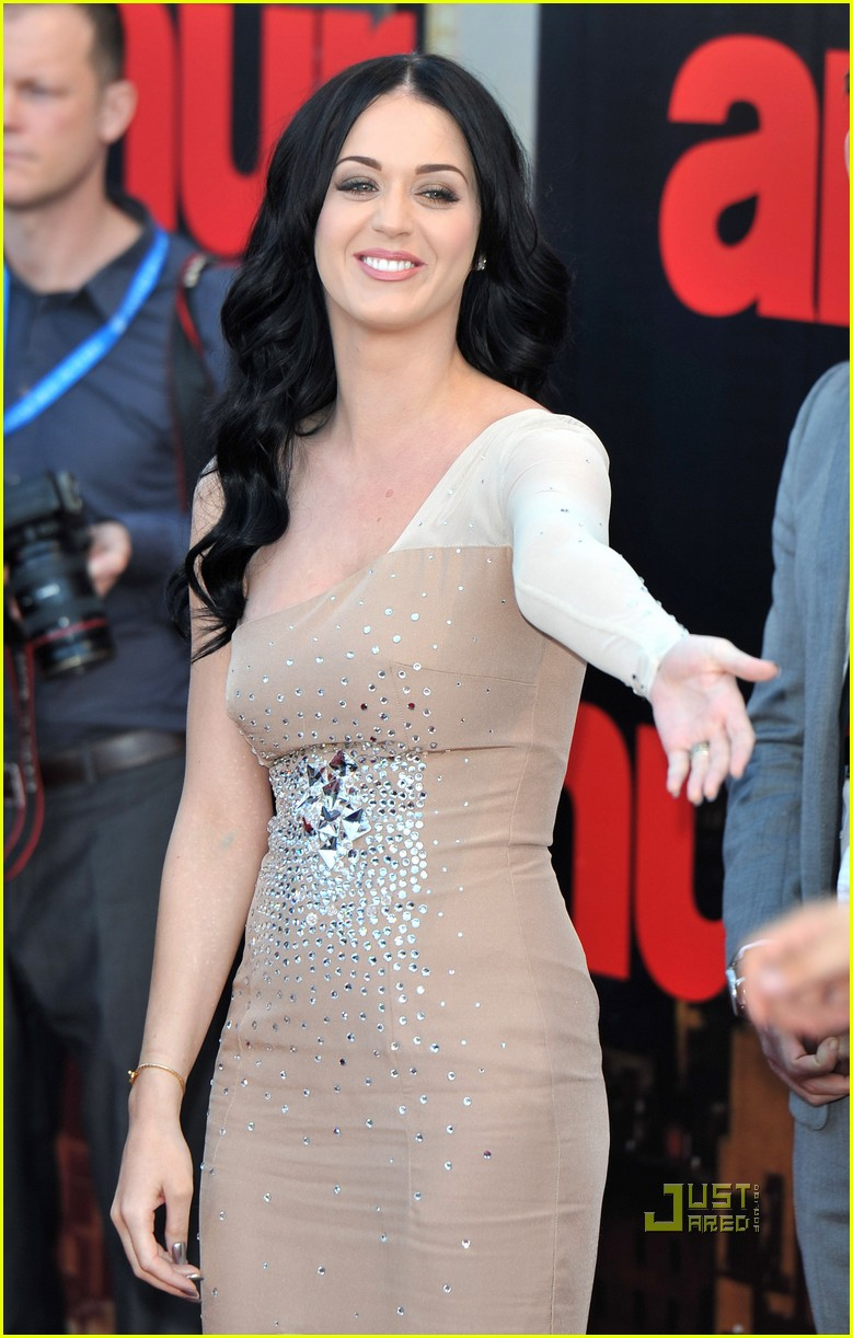katy perry russell brand arthur uk premiere 02