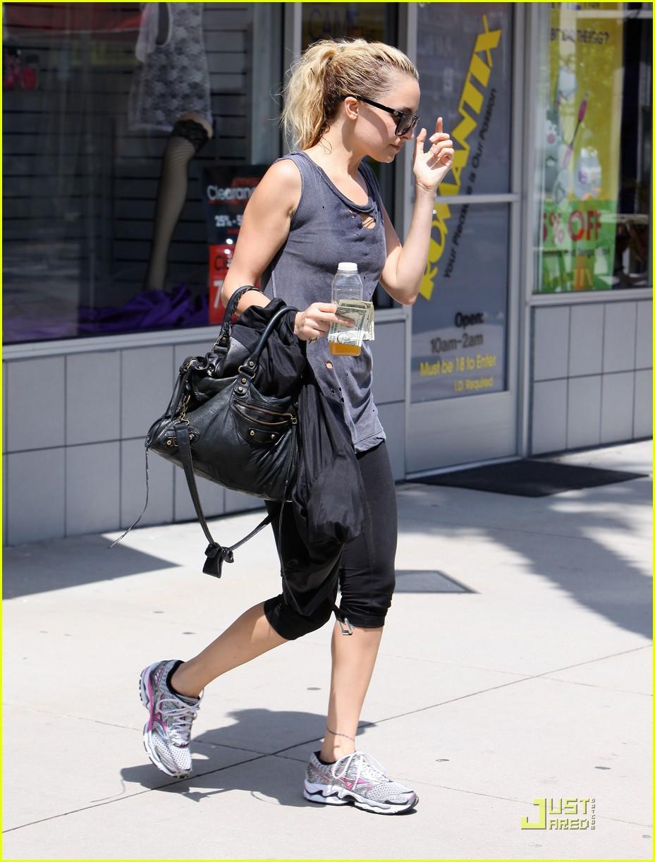 nicole richie workout woman 10