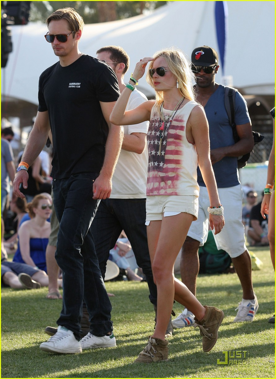 alexander skarsgard kate bosworth coachella duo 07