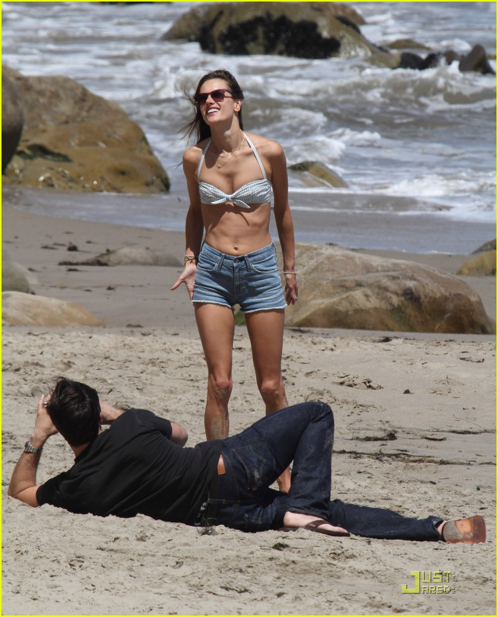 alessandra ambrosio family day at the beach 01