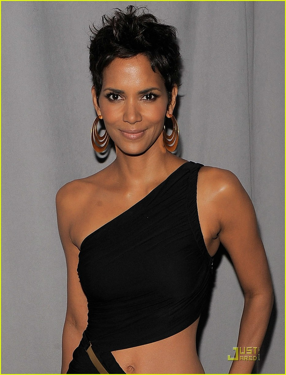 halle berry fifi awards 02