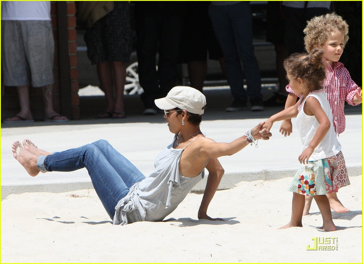 halle berry down the slide with nahla 07