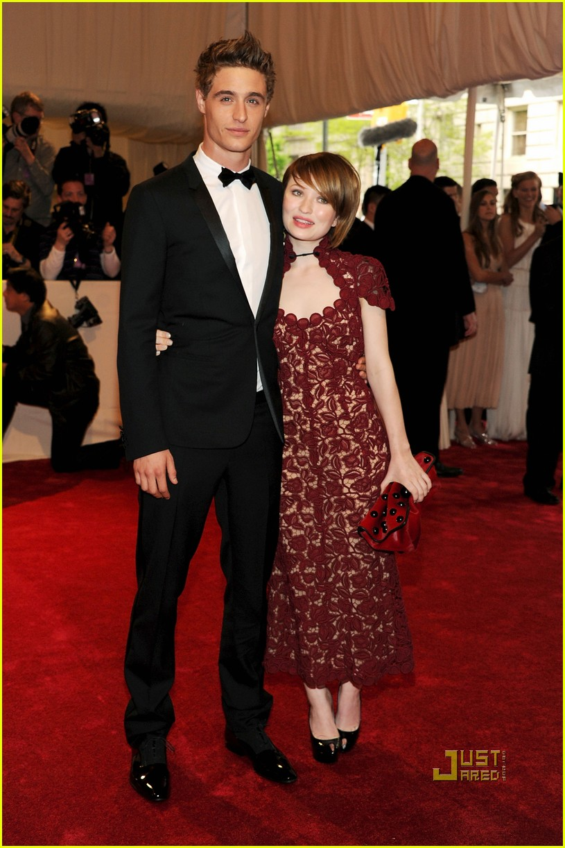 emily browning met ball 2011 13