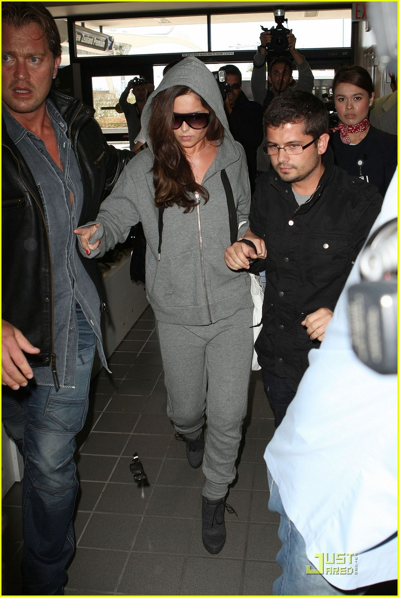 cheryl cole leaves lax 10