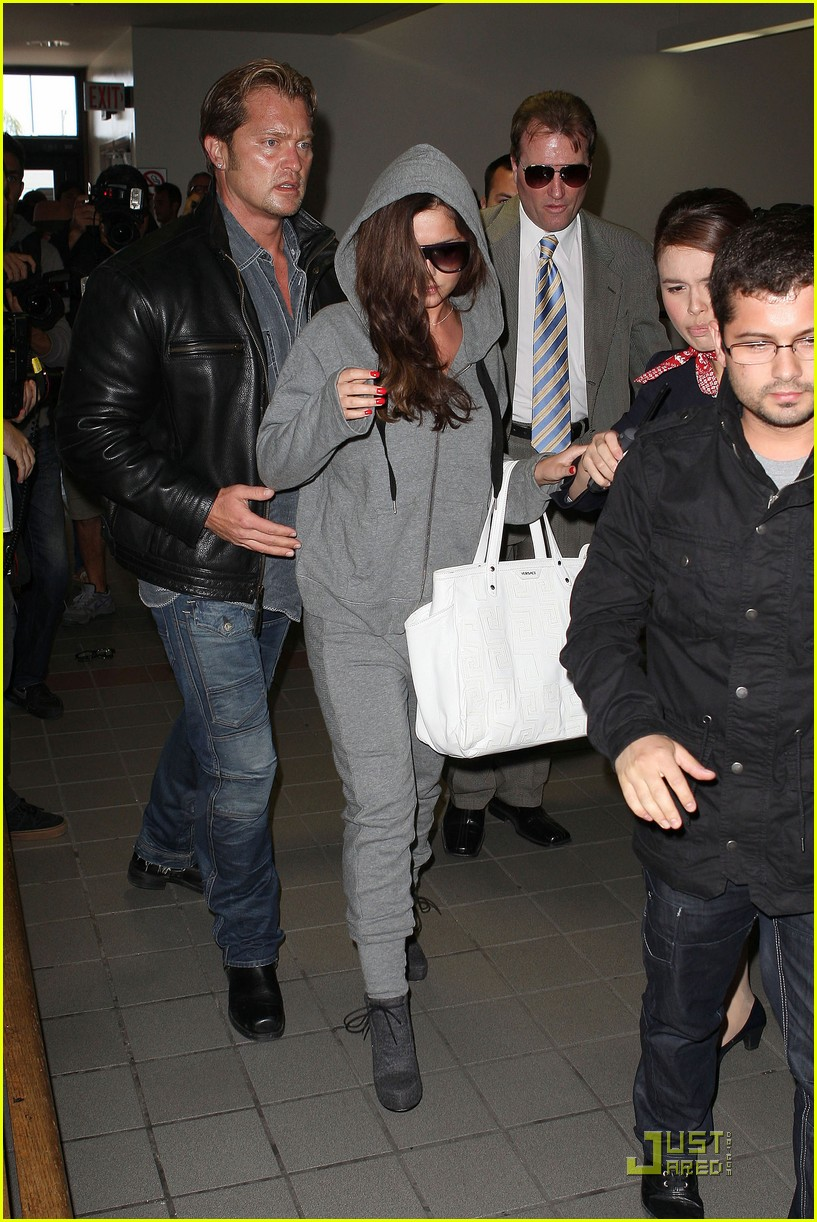 cheryl cole leaves lax 11