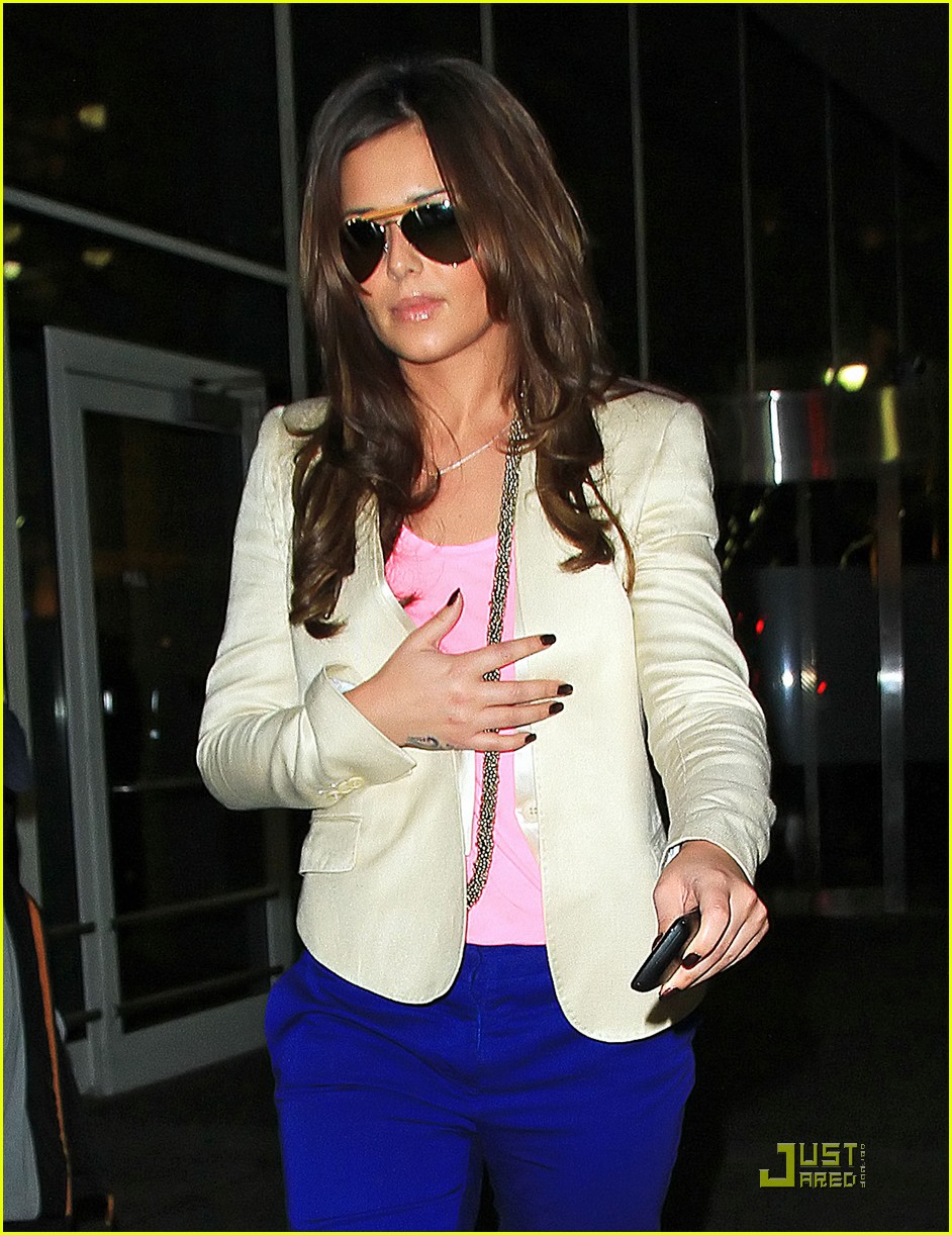 cheryl cole arrives in new york city 06