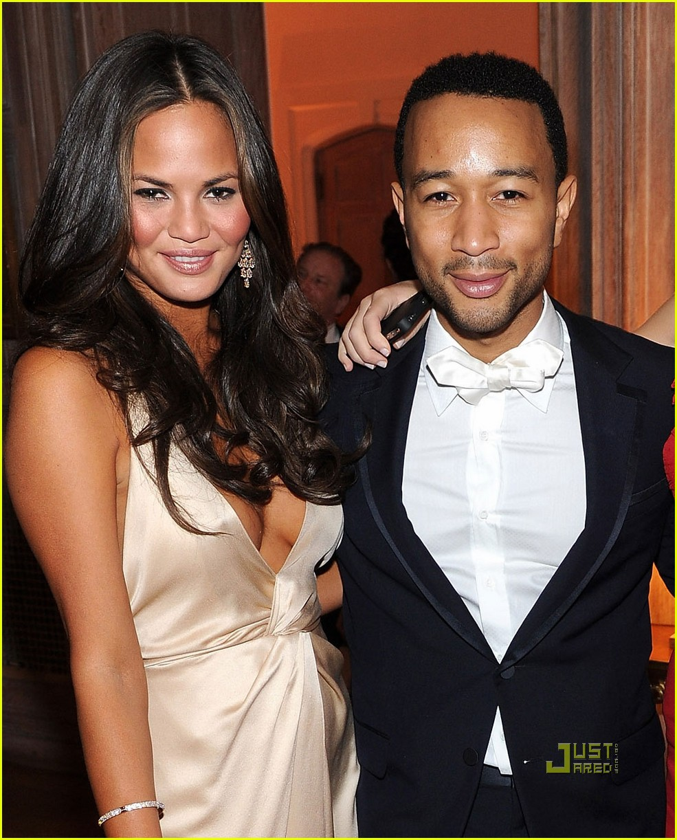 brooklyn decker chrissy teigen john legend white house correspondents dinner 04