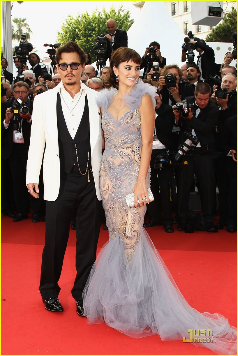 penelope cruz johnny depp pirates premiere cannes 212544004
