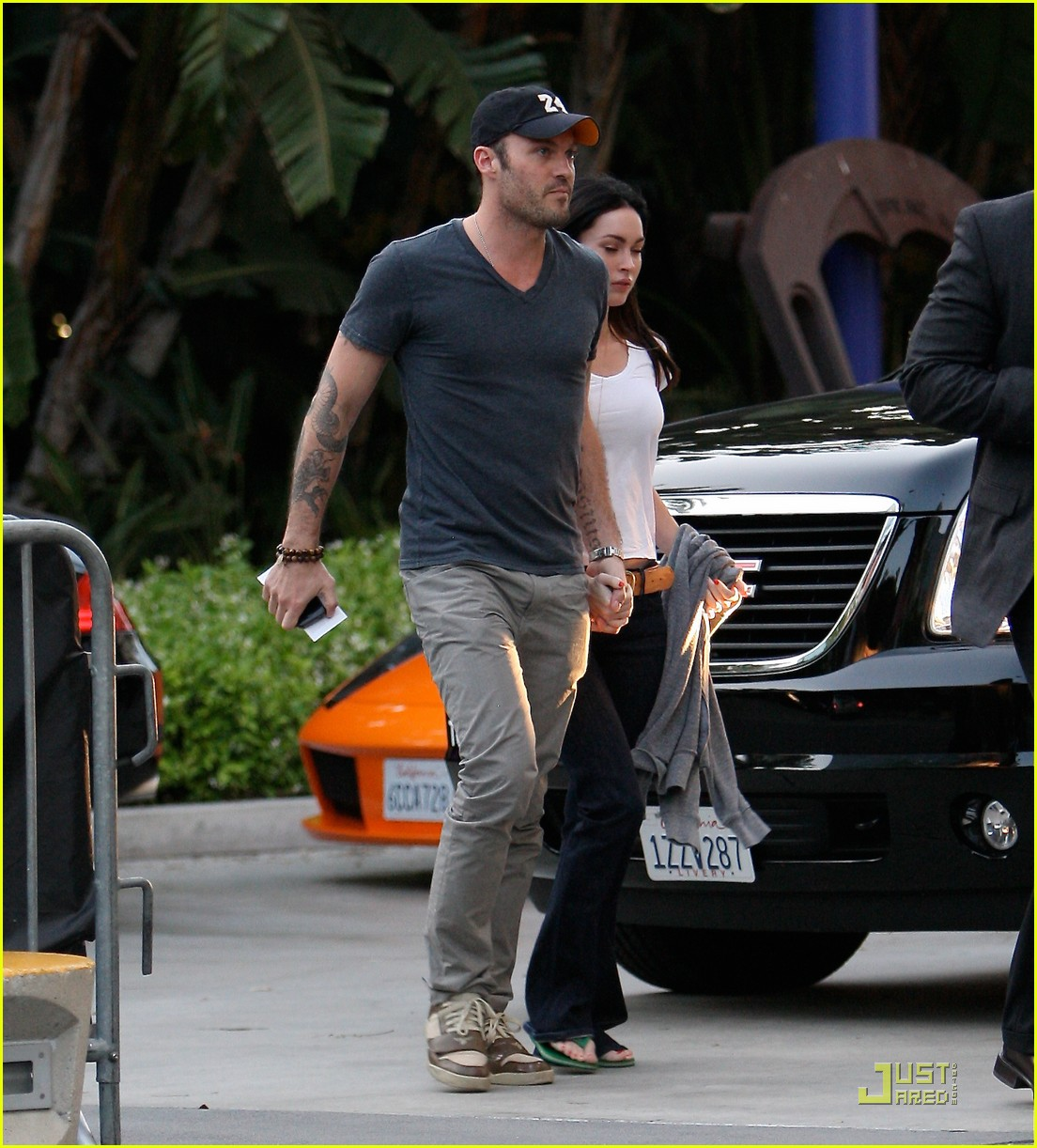 megan fox brian austin green lakers game 2 03