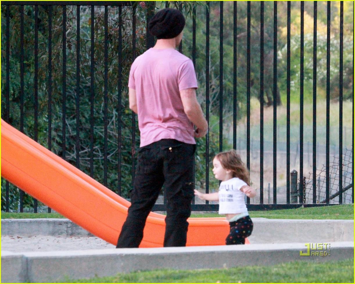 cam gigandet playground everleigh 05