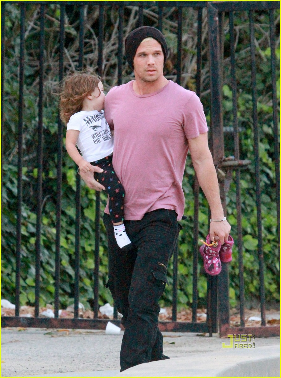 cam gigandet playground everleigh 15
