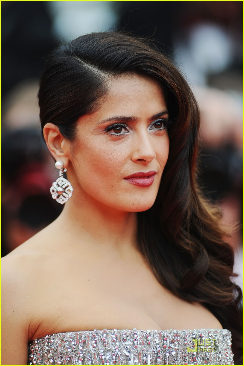 salma hayek cannes opening ceremony 19