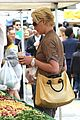 katherine heigl farmers market with naleigh and josh kelley 12