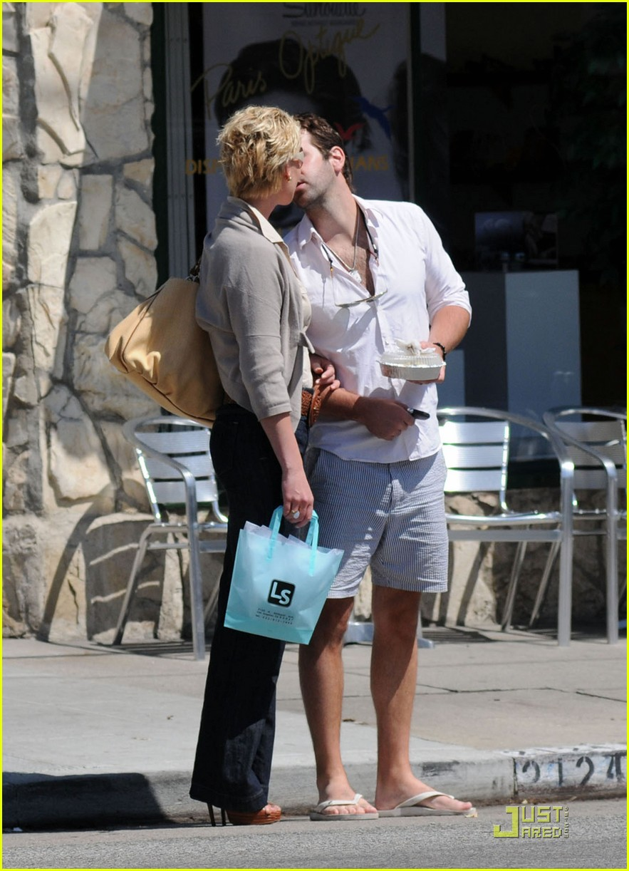 katherine heigl josh kelley kiss little doms 02