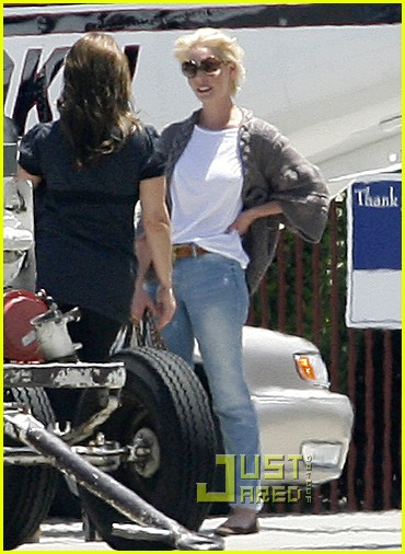 katherine heigl naleigh private plane 03