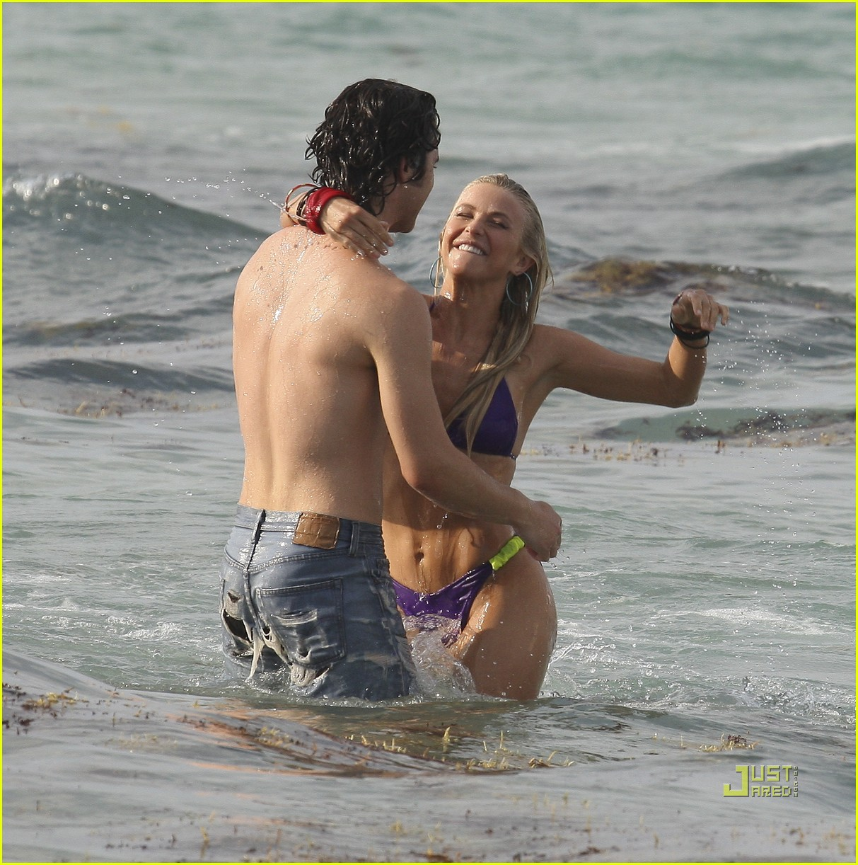 julianne hough bikini kiss diega boneta 11