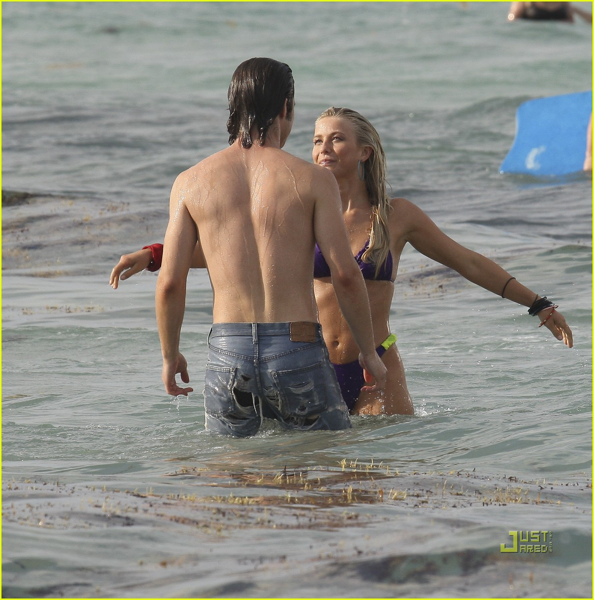 julianne hough bikini kiss diega boneta 13