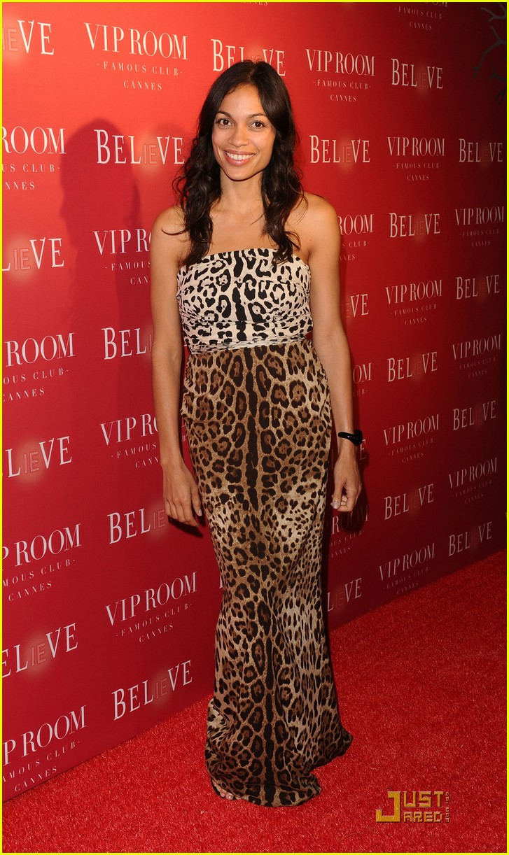 vanessa hudgens jude law belvedere red 04