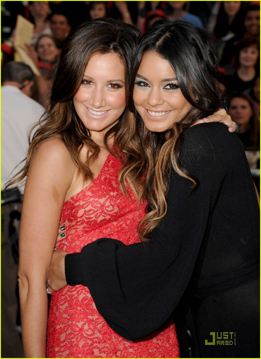 vanessa hudgens ashley tisdale pirates premiere 03