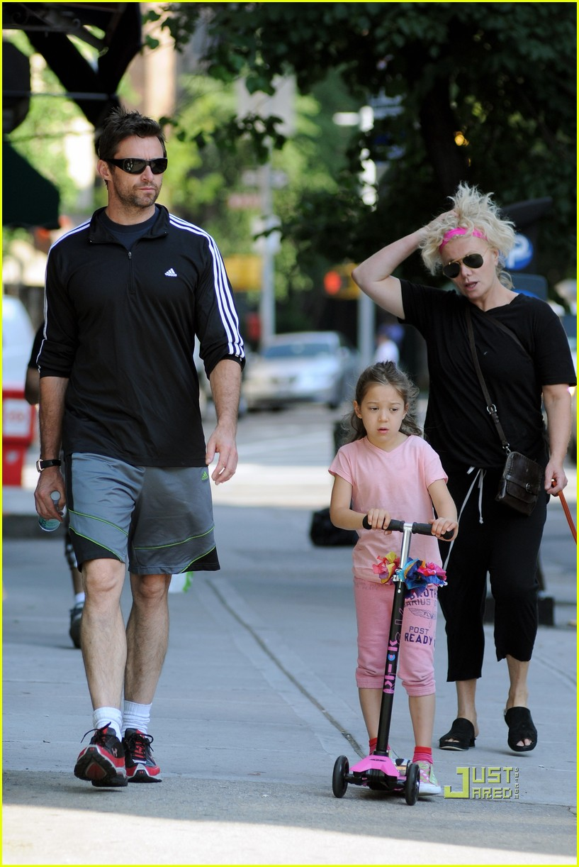 hugh jackman ava scooter nyc deborra lee furness 03