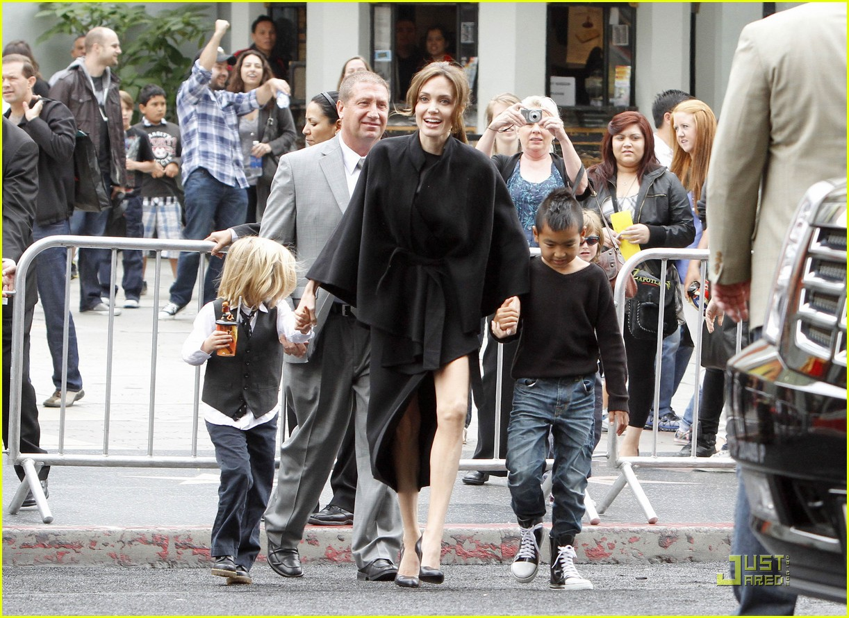 shiloh pax zahara maddox jolie pitt kung fu kids 04