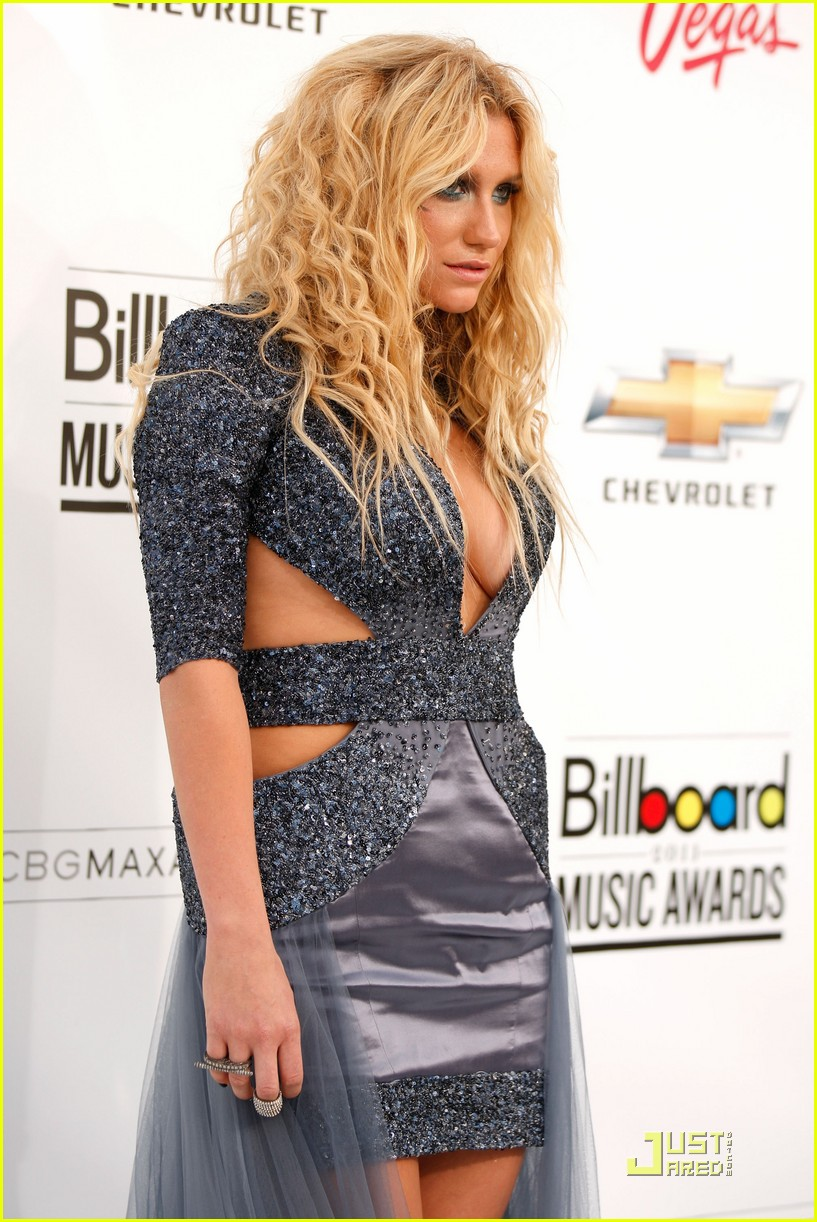 kesha billboard awards 05
