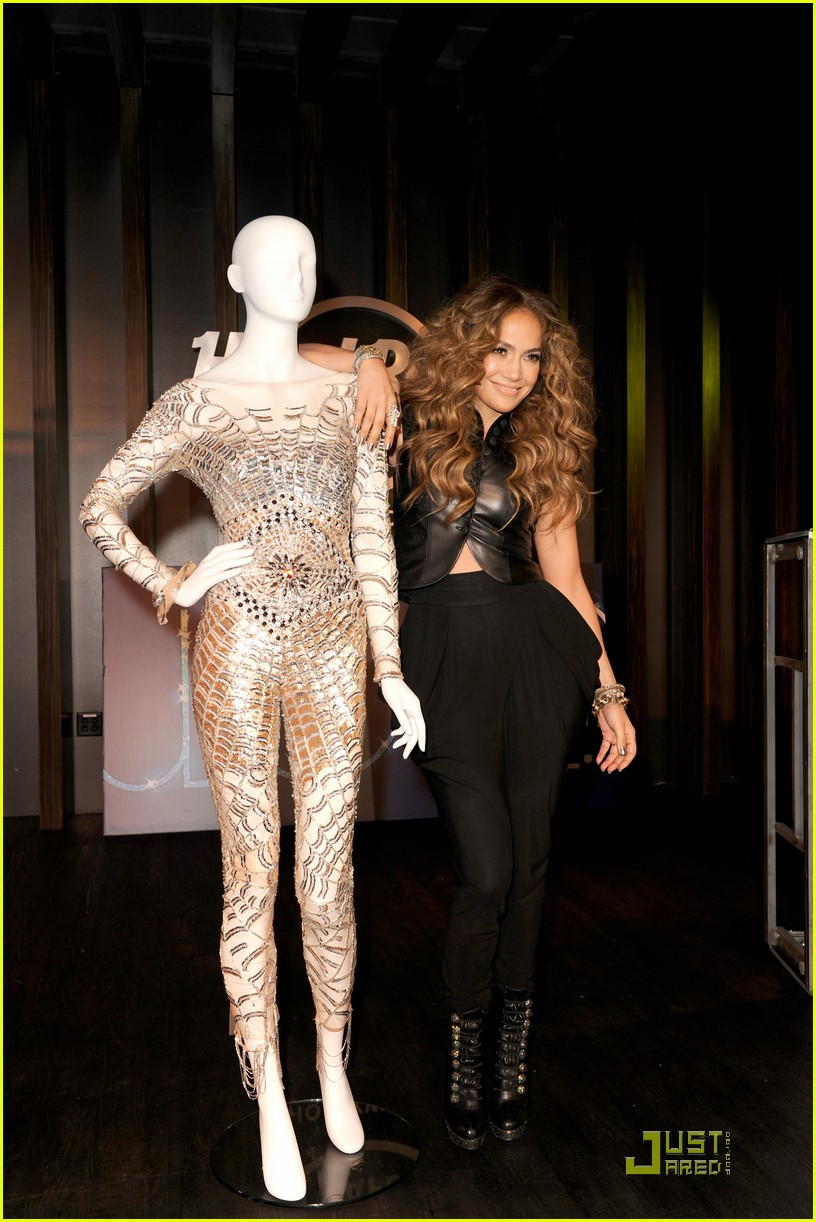 jennifer lopez love cd signing 04