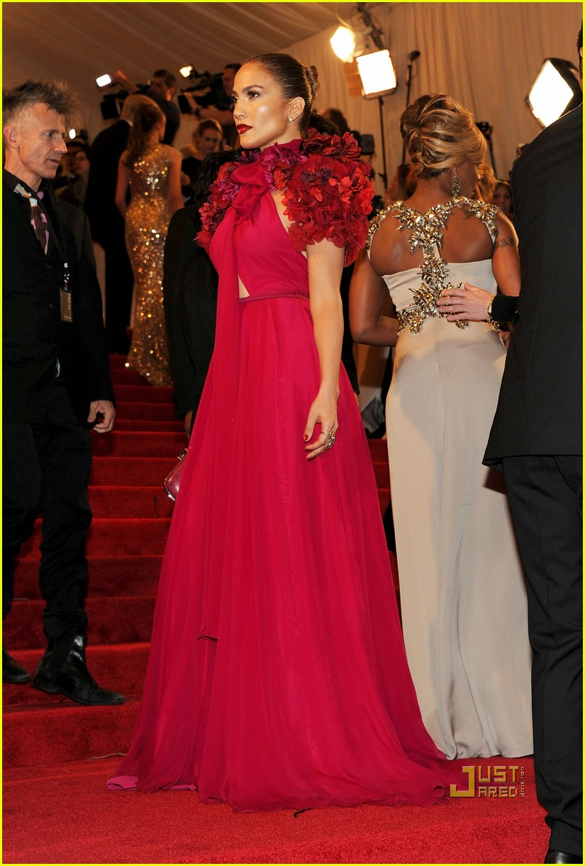 jennifer lopez met ball 2011 01 18