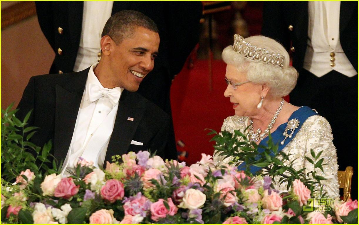 barack michelle obama queen elizabeth state dinner 02