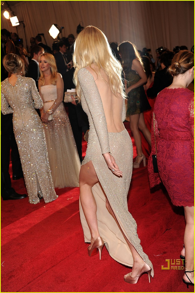 gwyneth paltrow met ball 2011 042540285