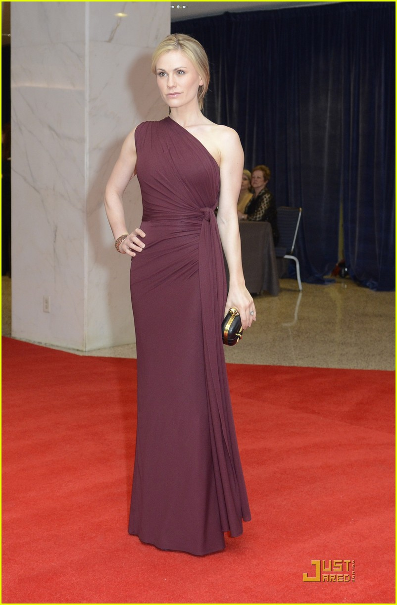 anna paquin stephen moyer white house correspondents dinner 01