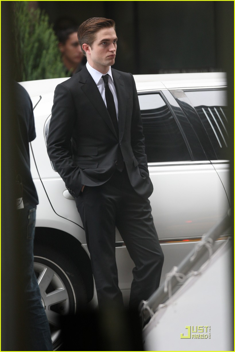 robert pattinson on set of cosmopolis 10