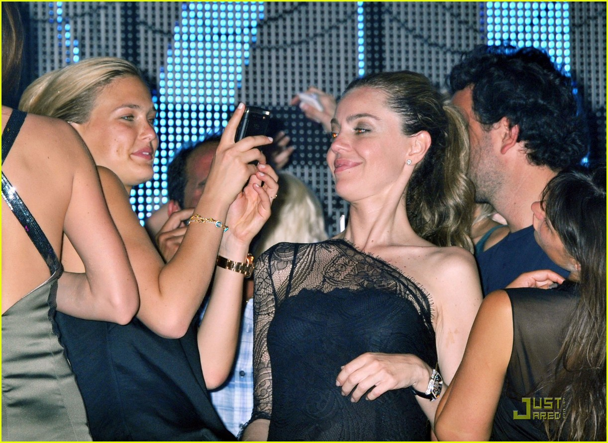 bar refaeli vip cannes 03