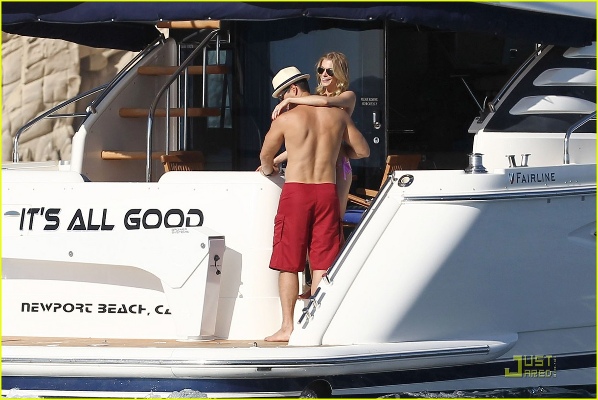 leann rimes eddie cibrian boat 05