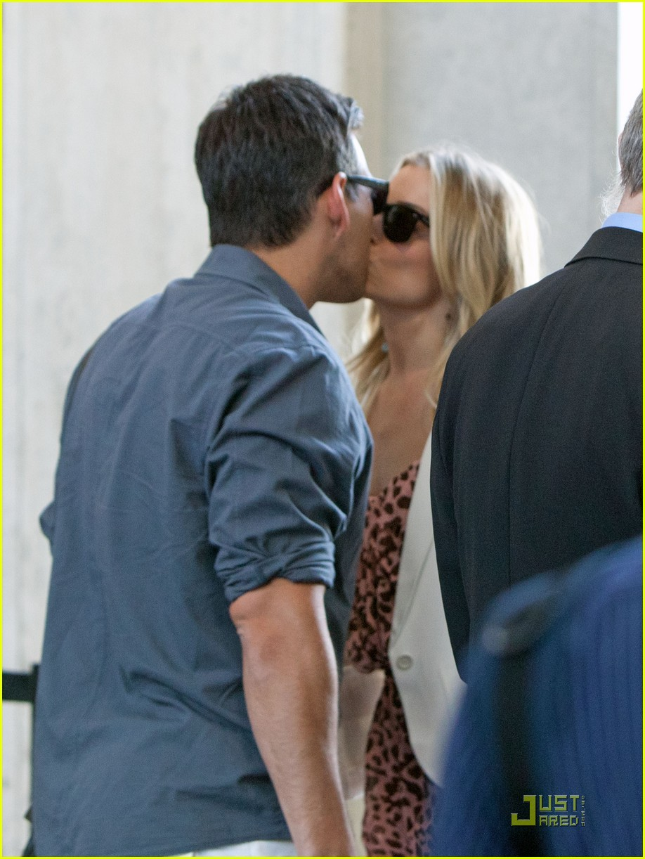 leann rimes eddie cibrian security smooch 032546563