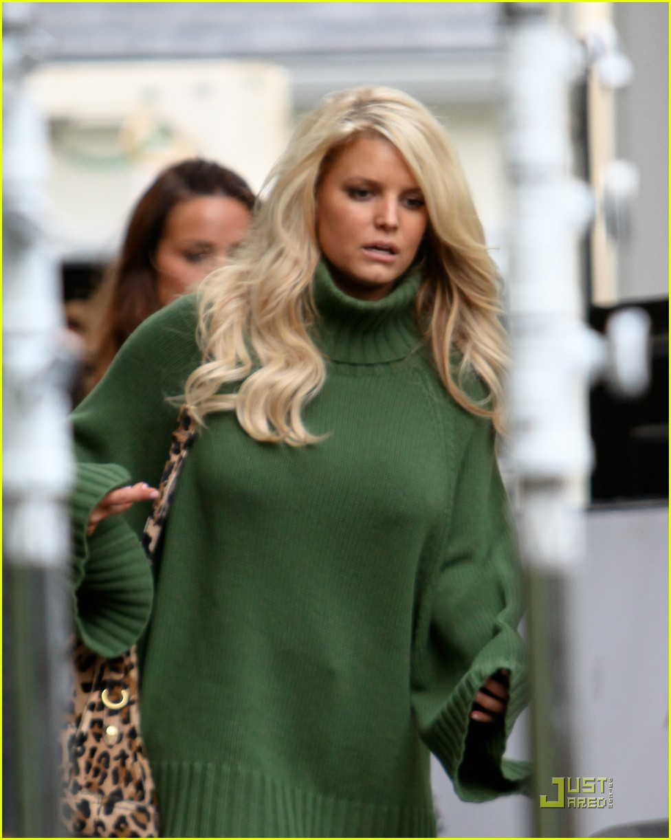 jessica simpson family visit at photo shoot 02