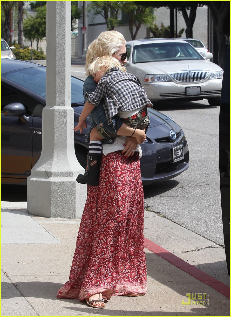 gwen stefani family outing 09