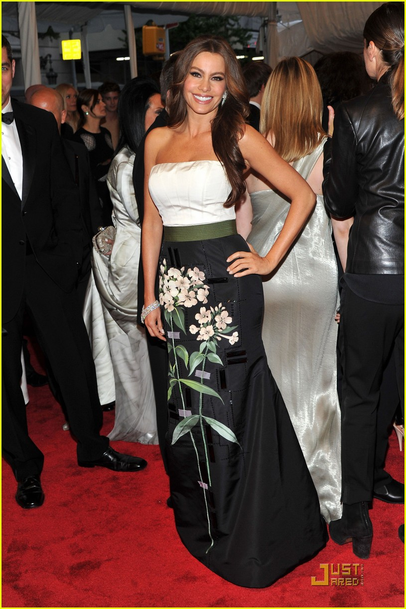 sofia vergara met ball 012540111