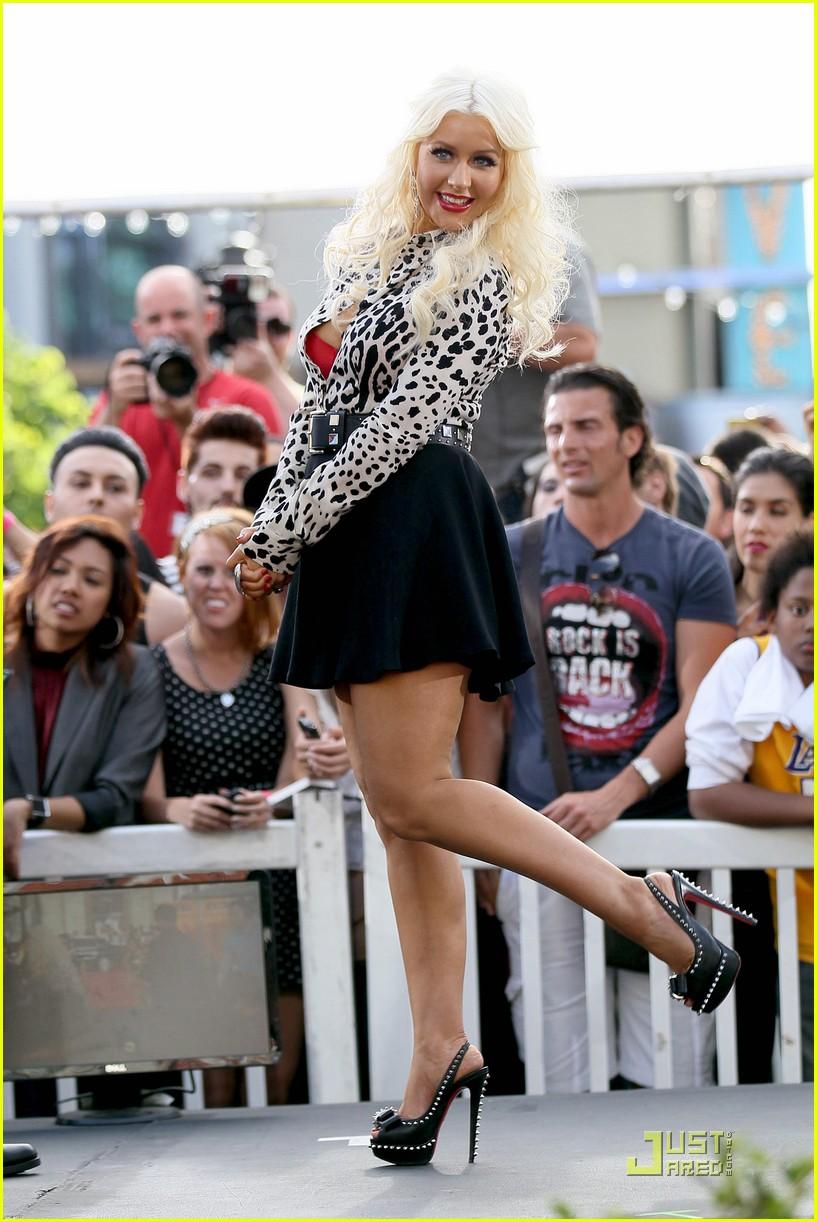 Christina Aguilera Duet With Adam Lambert Photo 2549200