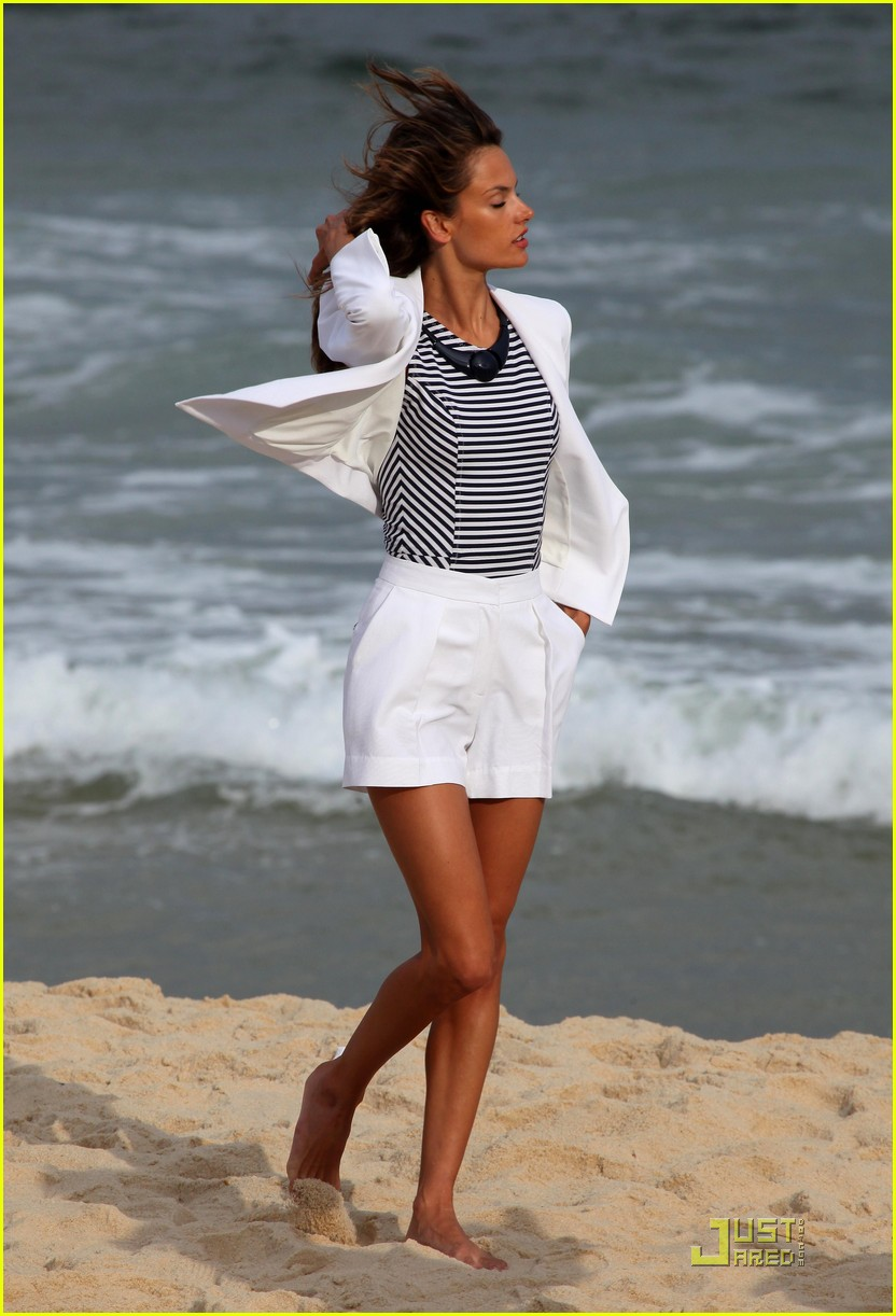 alessandra ambrosio colcci beach shoot 032553142